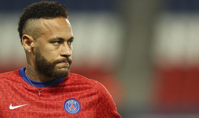 Neymar lors d'un échauffement d'avant-match