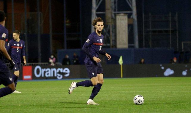 Adrien Rabiot avant un match de la Juventus