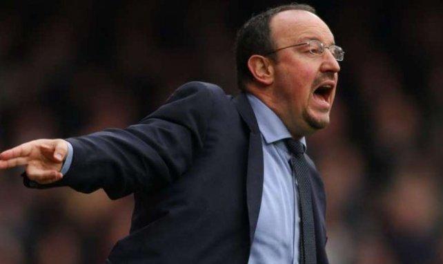 Des supporters d'Everton protestent contre l'arrivée de Rafael Benítez