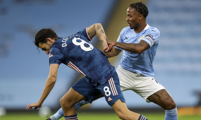 Raheem Sterling et Dani Ceballos se disputent le ballon