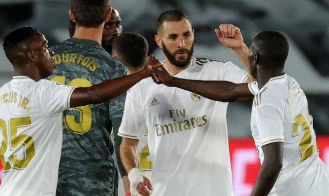 Vinicius Junior et Karim Benzema sous le maillot du Real Madrid