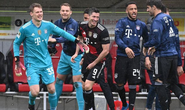 Robert Lewandowski salué par tout le Bayern