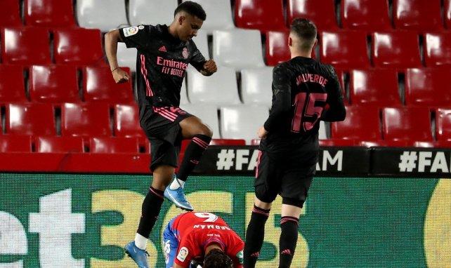 Liga : le Real Madrid remplit sa mission à Grenade et reprend la deuxième place