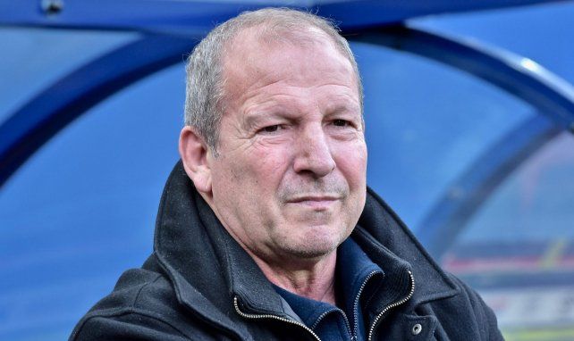 Ligue 1 : Rolland Courbis fustige la décision du gouvernement