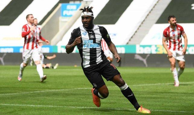 Newcastle : Steve Bruce refuse un départ de Saint-Maximin malgré le PSG