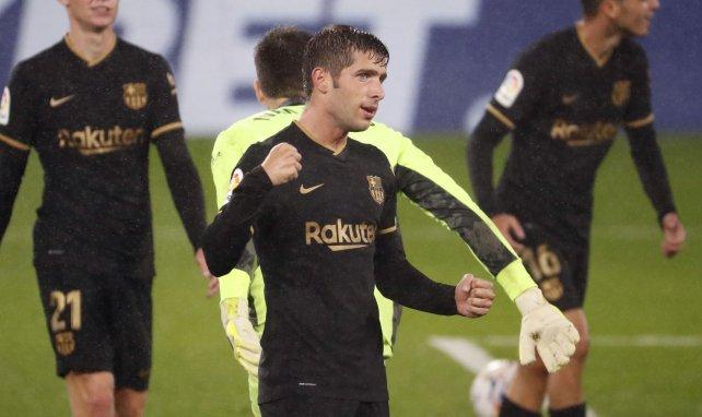 Sergi Roberto sous le maillot noir du FC Barcelone lors d'un match