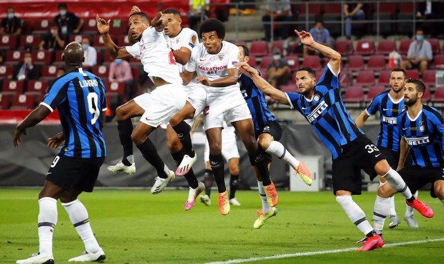 Séville refuse une très grosse offre de Manchester City pour Jules Koundé