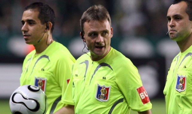 Stéphane Moulin au centre lors d'un match de Ligue 1 en 2006