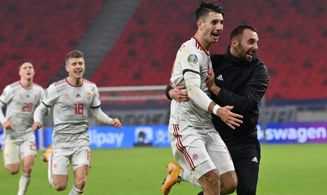 Dominik Szoboszlai fou de joie après son but contre l'Islande