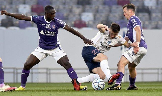 Ligue 2 : Toulouse reprend la seconde place en s'imposant face Châteauroux, Grenoble et le Paris FC laissent des plumes