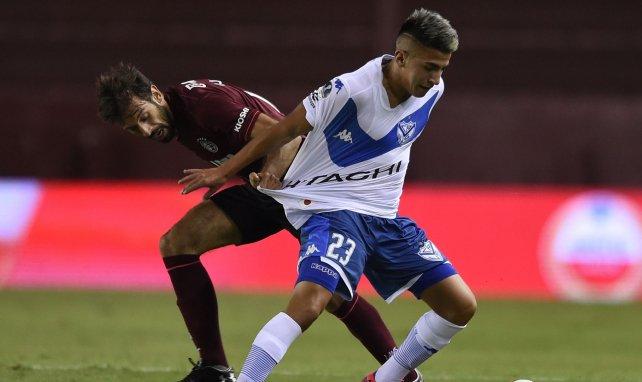 Thiago Almada ici à droite avec le maillot de Velez Sarsfield