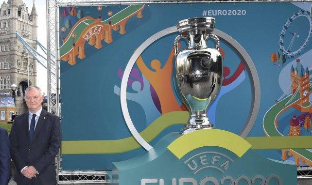 Le trophée de l'Euro 2020 présenté à Londres