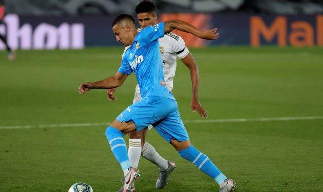 Rodrigo en duel avec Raphaël Varane