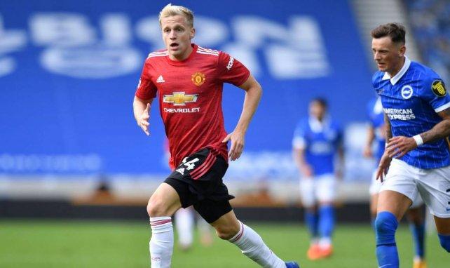 Manchester United bloque le départ de Van de Beek !