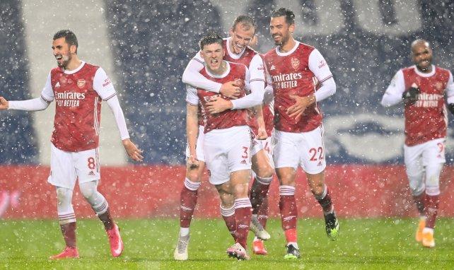 Kieran Tierney celebra un gol con el Arsenal