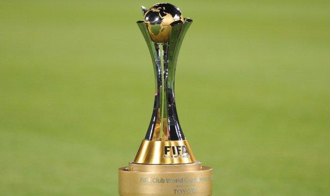 Le trophée de la Coupe du Monde des Clubs