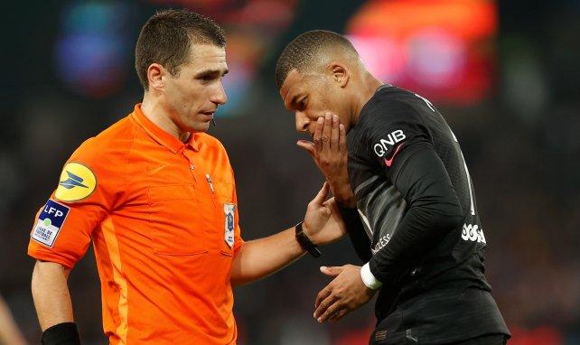 Pourquoi l'arbitre s'est-il trompé lors de PSG-Angers ?