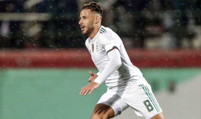 Youcef Belaïli avec le maillot de l'Algérie
