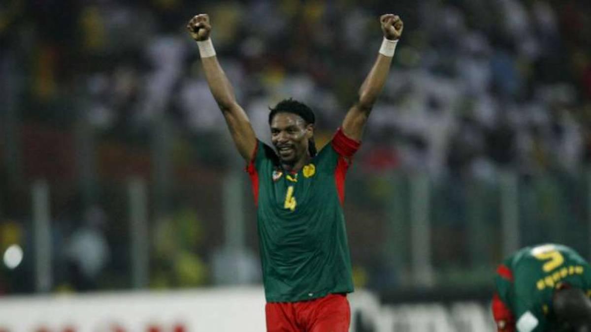 rigobert-song-celebre-la-victoire-du-cameroun-face-au-ghana-en-12-finale-de-la-can-2008_187660.jpg